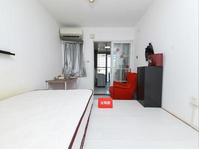 绿景精装一房,小区楼下就是商业,居住舒适,看房方便!-深圳绿景香颂花园租房