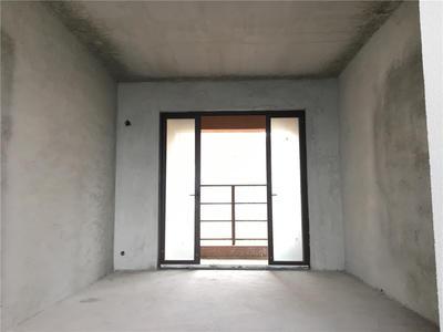 依岸康堤毛坯三房出售
