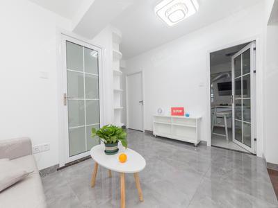 泰安轩正规两房出租,户型方正,视野装修好-深圳泰安轩租房