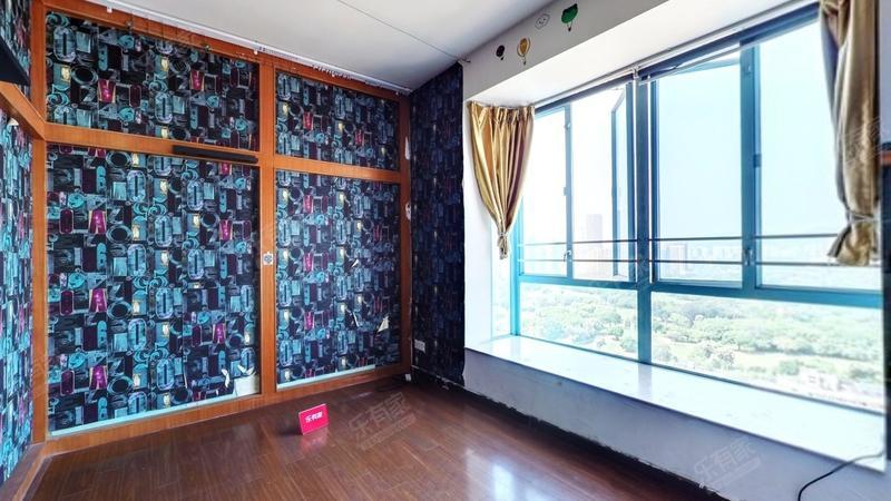 凤凰楼层,客厅出阳台,高楼层,户型方正