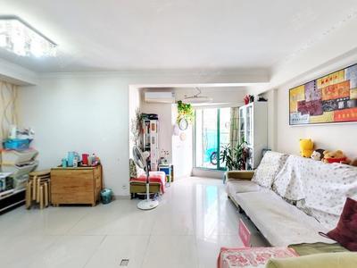 有个大露台,三房格局,满五年产权优质-深圳名骏豪庭二手房
