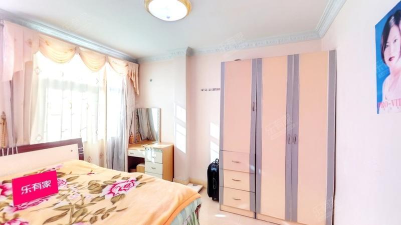 普装一室两厅,安静舒适,采光好