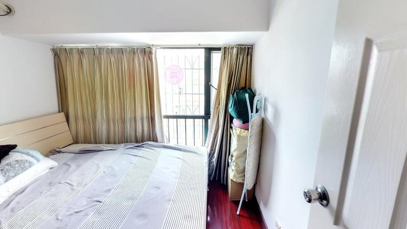 东部翠海轩,精装正规一房,楼层佳采光很好,居住非常舒适