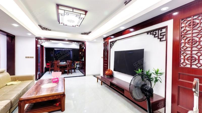 领翔华府客厅-2