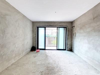 业主诚心出售,毛坯三房,面积多,户型方正,采光很好-中山欧雅豪庭二手房