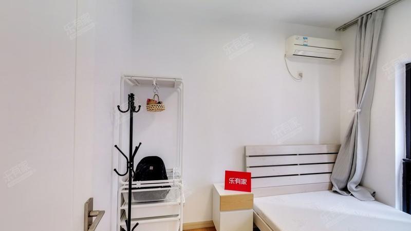 金地物业正规两房,独栋安静位置,拎包入住