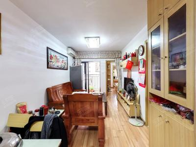 龙悦居精装两房诚意出售。看房方便-深圳龙悦居四期二手房