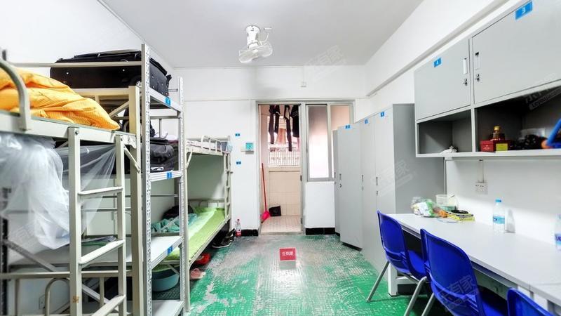 自由港湾公寓居室-1