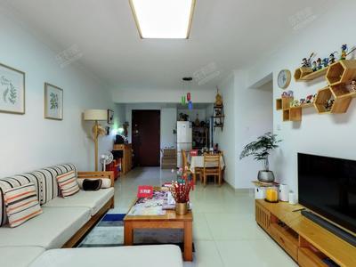 户型方正,客厅出阳台-深圳茗萃园二手房