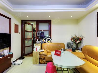 房子的户型很不错的,地铁口物业,小区周边配套齐全-深圳财富港大厦二手房