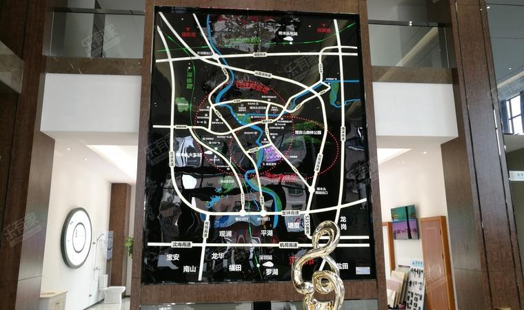 《华翠花园》交通位置图