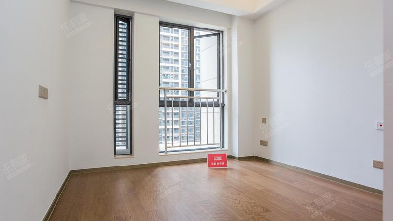 光明1号精装3房公寓业主诚心出售