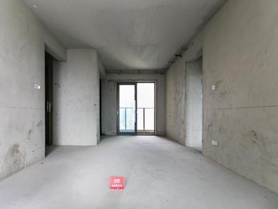 曦湾天馥四房出售,客厅出阳台,户型通透看海景