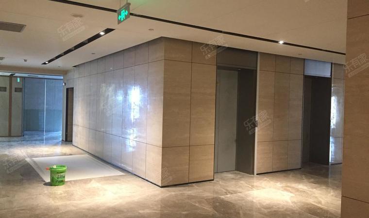 荣德时代广场样板房精装修12过道