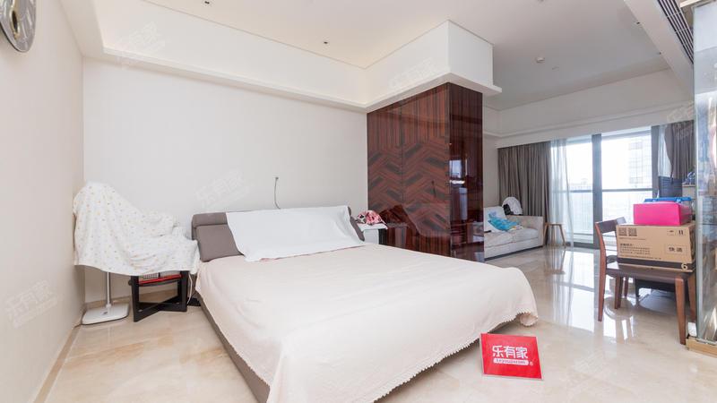 东海国际公寓,聂凡是专家!豪华装修的房源,天际会所尊贵享受