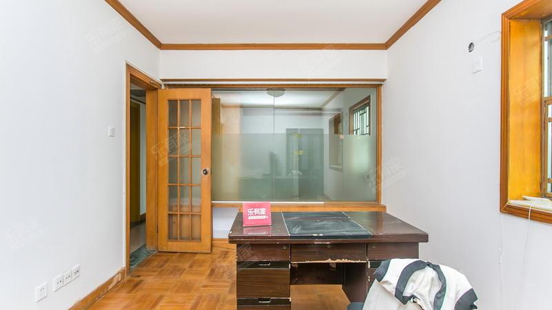 石鸿花园,正规3房,业主诚心出售,看房方便