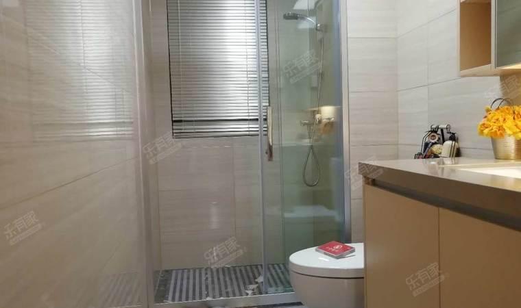 聚豪苑卫生间
