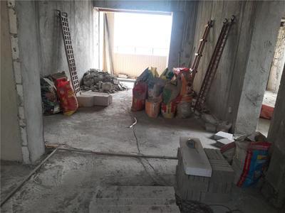 万润广场南北通透复式4房业主急卖,小区性价比很高的复式-东莞万润广场二手房