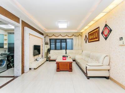 房子装修保养的很好,干净整洁,看房提前联系