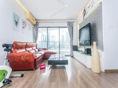 新出比较安静3房,客厅出大阳台,保养很好-深圳漾日湾畔二手房